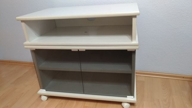 Biała szafka RTV