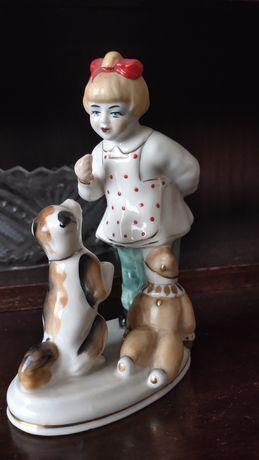 Статуэтка Девочка с собачкой