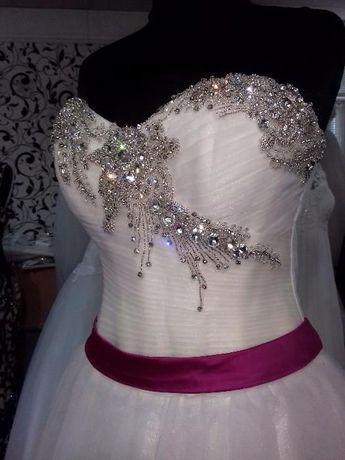 Свадебное платье цвета айвори корсет в камнях ручная работа
