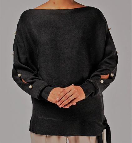 Elegancka czarna bluzka perly rozciecia na rekawach