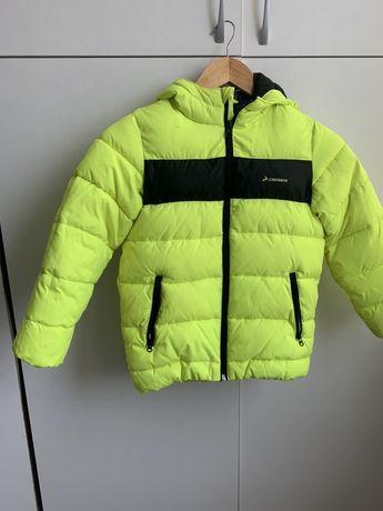 Продам детскую куртку Demix