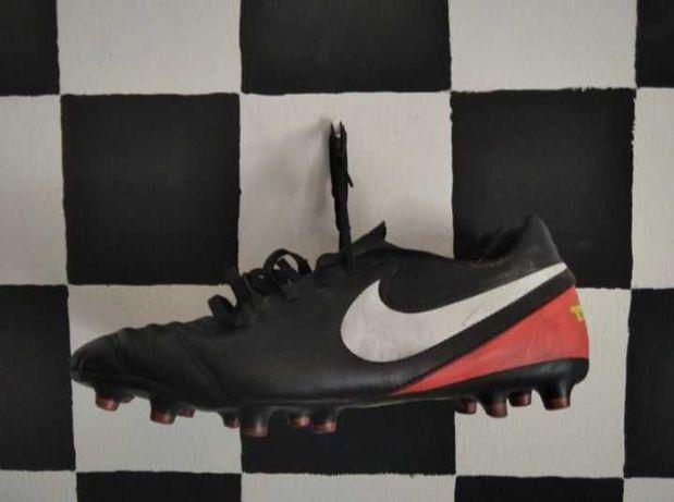 Chuteiras Nike Tiempo 44
