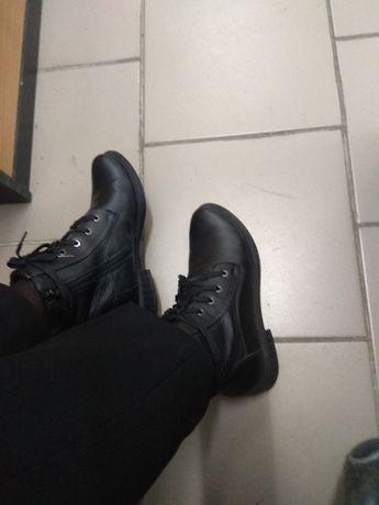 Продам ботинки кожаные 37 р.
