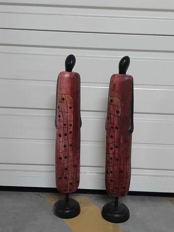 Estátuas em madeira pintada