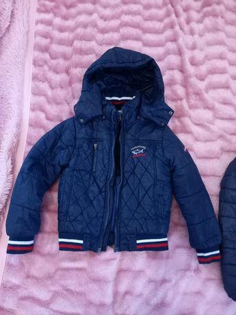 Продам куртку на мальчика на рост 116 см.