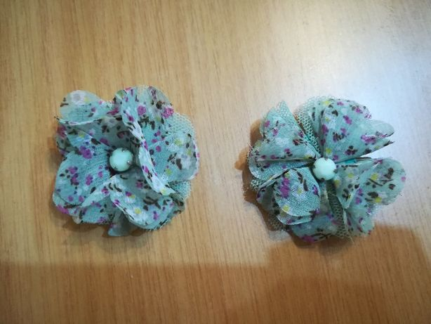 Molas para prender o cabelo com forma de flores - azul-turquesa - NOVO