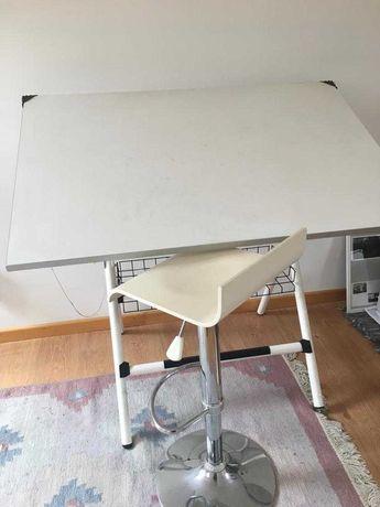 Estirador + oferta da cadeira