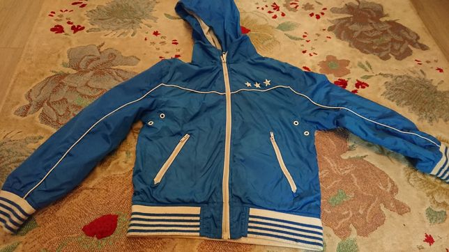 Спортивная кофта ,ветровка H&M на мальчика 7-8 лет ,рост130