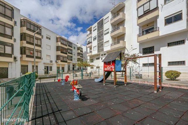 Apartamento T3 em Odivelas com lugar de garagem