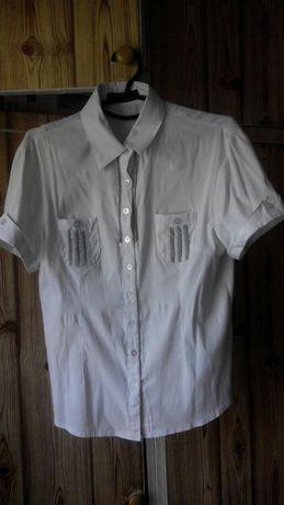 Школьная блузка с коротким рукавом.