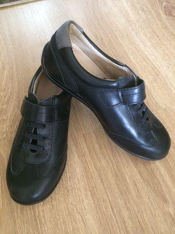 Кроссовки туфли новые 32 размер