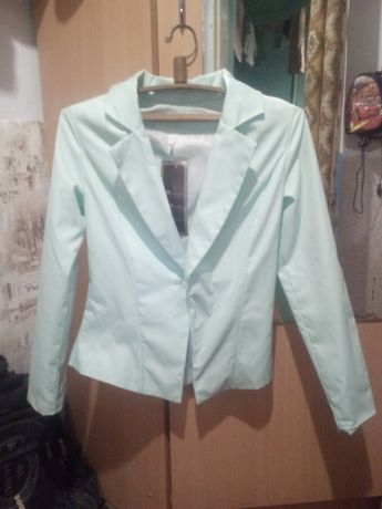 Женский пиджак 46 р-р