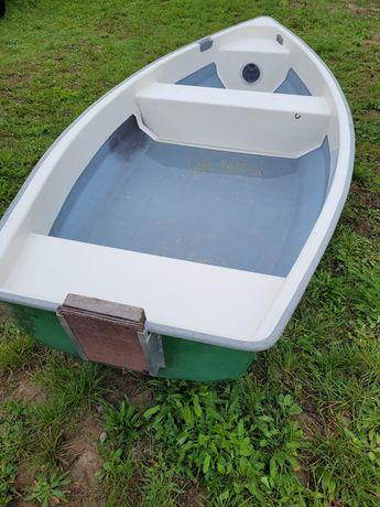 łódka wiosłowa motorowa