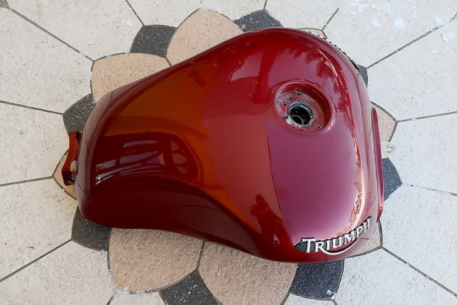 Zbiornik bak paliwa Triumph Rocket III Classic
