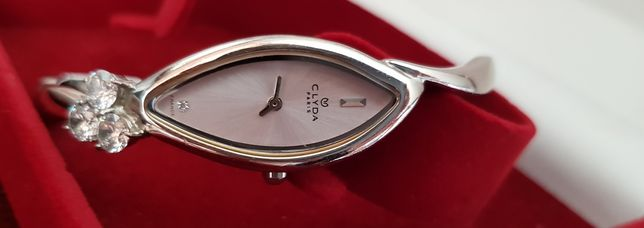 часы женские кварцевые Франция