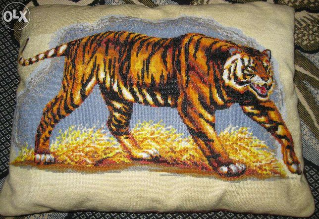 Подушка для дивана, вышитая подушка ручной работы