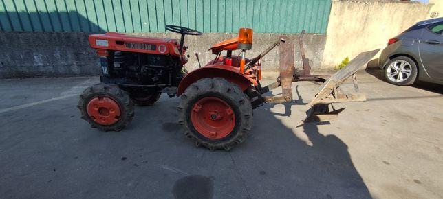 Trator Kubota B6000