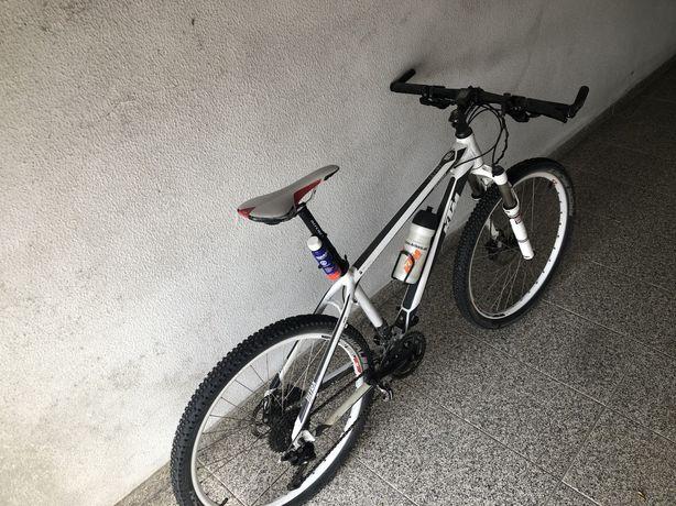 KTM de montanha