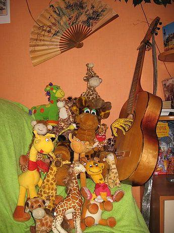 Коллекция мягкая игрушка жираф со всех стран интерьер кофейни Африка