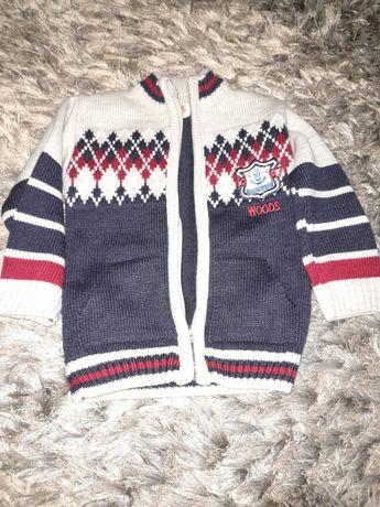 Sweterk ciepły na zamek