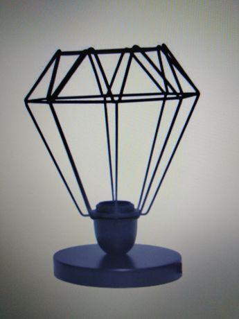 Lampa czarna metalowa loftowa