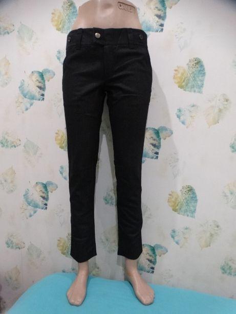 Черные укороченные зауженные джинсы H&M Zara S-M