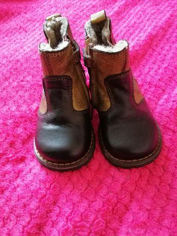 Дитячі чобітки нові. Не підійшов розмір