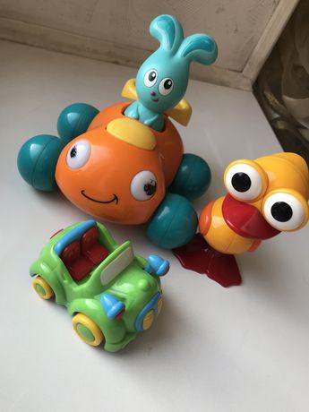 Набор фирменных игрушек от 6 месяцев