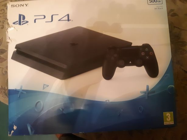 Продаю игровую приставку Sony Play Station 4