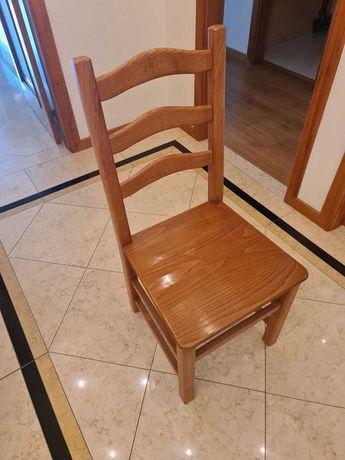 Cadeiras em madeira de Carvalho - 4 Unidades