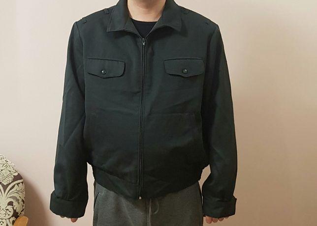 Куртка з камвольноі тканини