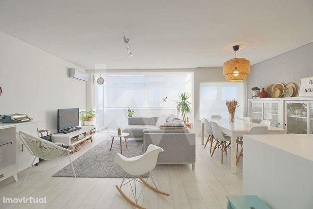 Apartamento T3, Completamente Remodelado