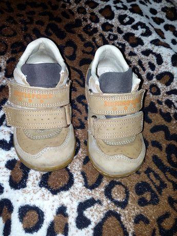 Демисезонные ботинки /кроссовки фирмы minimen