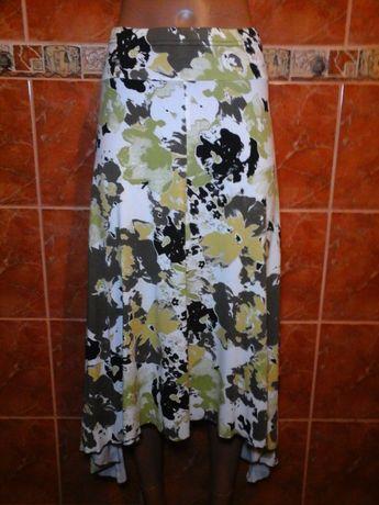Трикотажная асимметричная юбка с углами