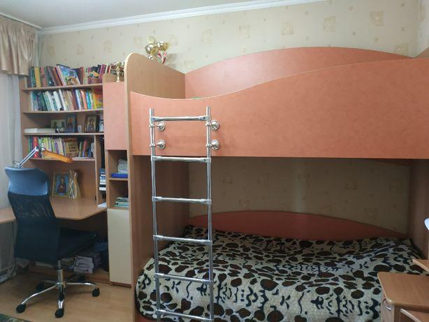 мебель для детской или подростковой комнаты