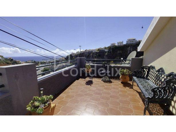 Moradia T4 para venda em Santa Maria Maior