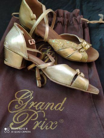бальные туфли отличные
