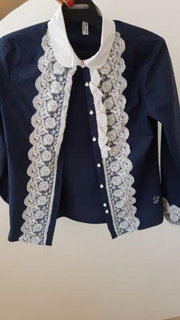 Продам красивую блузку для девочки на 160 см