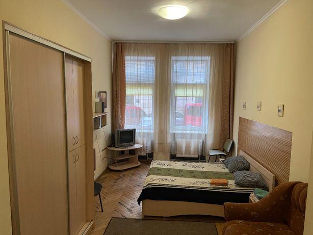Продам 2к квартиру в ЦЕНТРІ з РЕМОНТОМ та меблями біля ТРЦ Форум