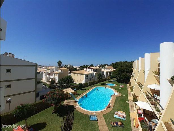T2 em condomínio com piscina e jardins - Vilamoura