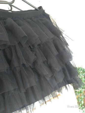 Czarna spodniczka z falbanami
