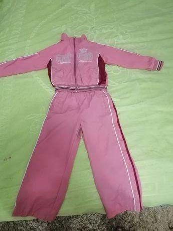 Спортивный костюм для девочки 4-6лет