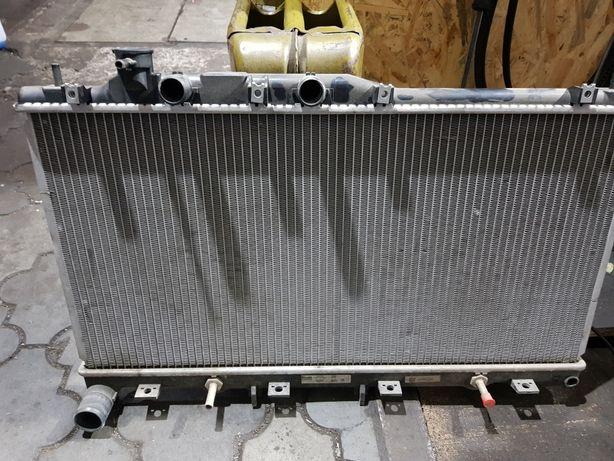 Радиатор охлаждения Subaru Outback
