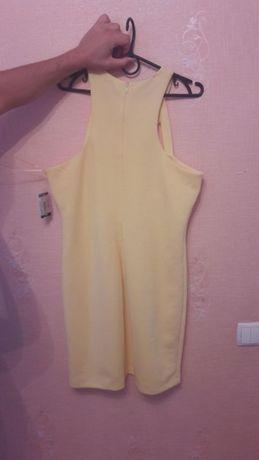 Платье женское, подойдёт и на беременный животик.