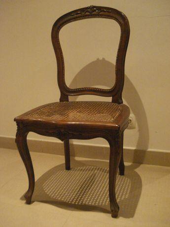 Cadeira modelo Queen Anne