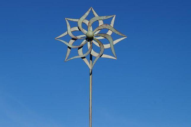 wiatrak ogrodowy metalowy antyk
