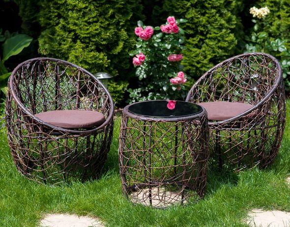 Zestaw mebli ogrodowych - Stół + dwa krzesła