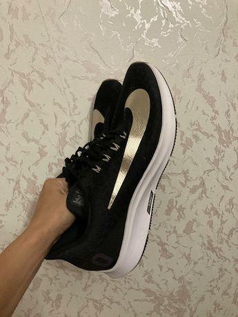 Беговые кроссовки / бігові кросівки Nike Pegasus 35 ID GOLD