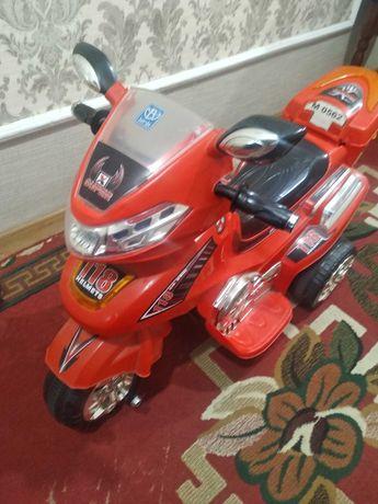 Дитячий мотоцикл Bembi