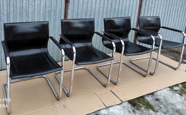 Matteo Grassi komplet 4 krzeseł projekt Mart Stam Centro Studi/bauhaus